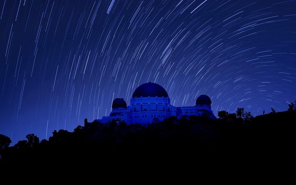 На фото изображена обсерватория