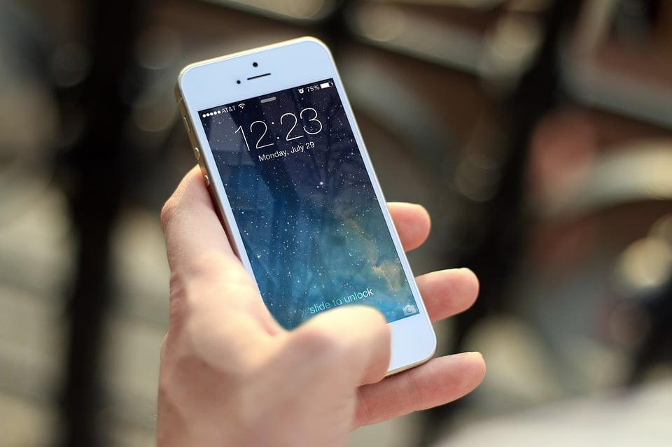 На фото изображен рабочий стол телефона