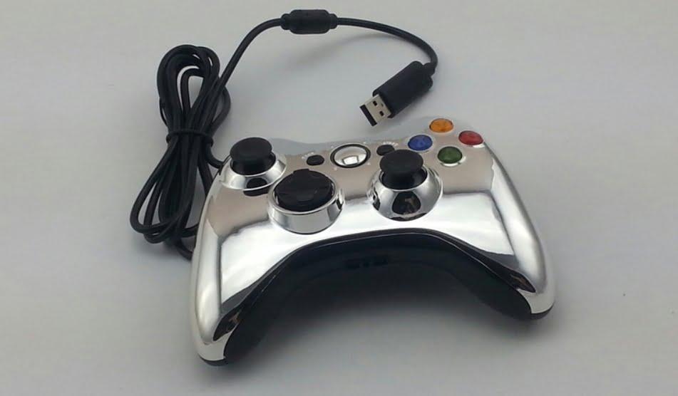 На фото изображено подключение контроллера через USB.